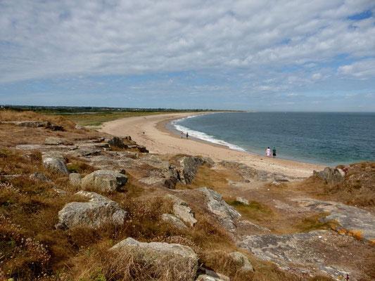 Nous entamons les 10 km de marche dans le sable