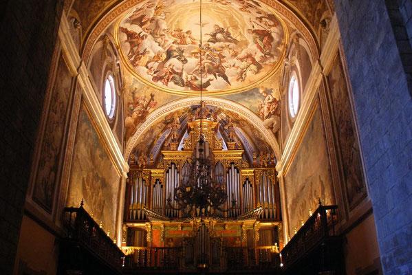 Magnifique orgue dans la cathédrale de Jara