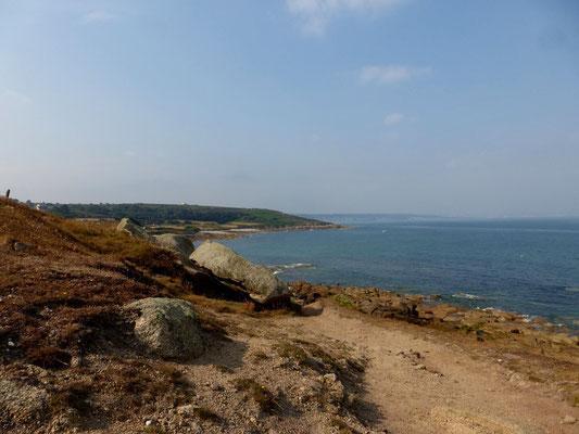 Au loin nous apercevons Cherbourg