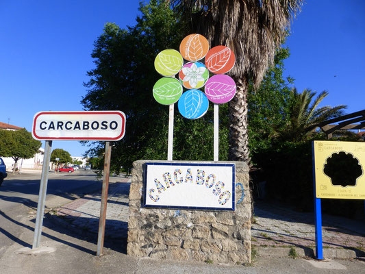 L'entrée de la ville de Carcaboso