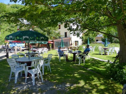 Le restaurant-bar  au hameau des Chapieux
