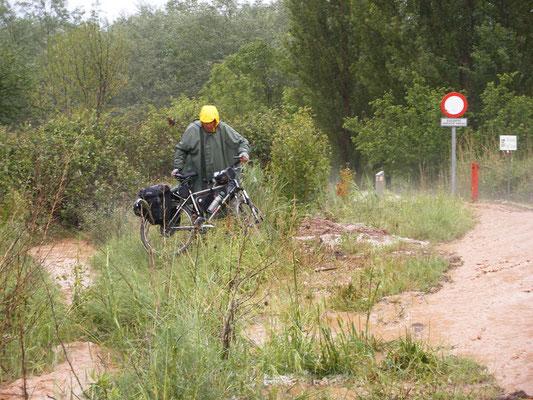 Nous sommes obligés de porter les vélos