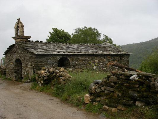 Encore une chapelle seule