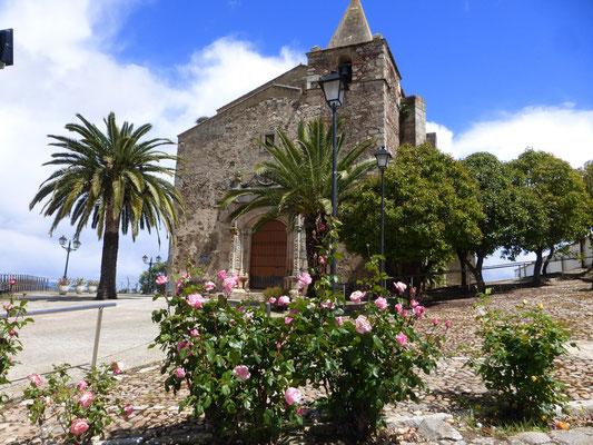 L'église de Aljucén,Deux pélerins,