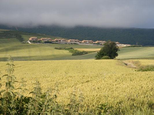 Joli village au loin