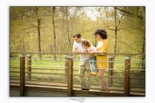 séance photo en extérieur, Idéal pour des moments en famille et immortaliser des plaisirs simples,. Les séances reflétent le naturel, la simplicité des moments purs.  Photographe Lucq de Béarn - Photonat'on
