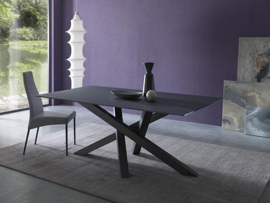 Articolo D19 - Tavolo fisso o allungabile con base incrociata in metallo verniciato, piano disponibile in diversi materiali e misure