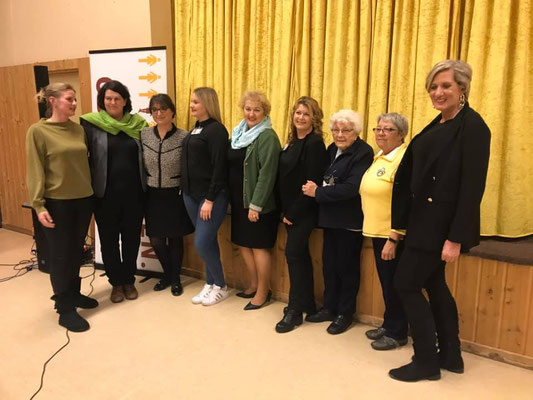 Team Frauen-Union Oberasbach mit Birgit Huber, Adelheid Seifert und Petra Gutenberg