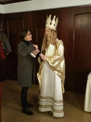 FU-Vorsitzende Adelheid Seifert mit dem Christkind