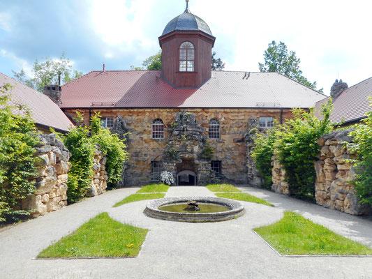Im Innenhof des Alten Schlosses