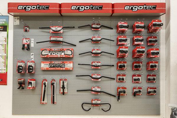 Die e-motion e-Bike Welt Nürnberg bietet neben zahlreichen e-Bikes außerdem das passende Zubehör.