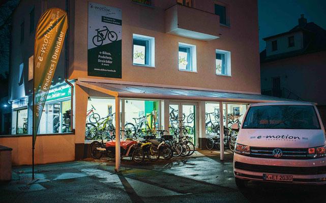 kompetente und unabhängige Beratung im e-motion e-Bike Premium Shop Köln
