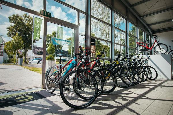 Riesige Markenauswahl bei der e-motion e-Bike Welt Düsseldorf