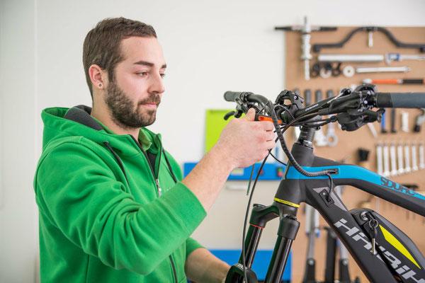 Inspektion, Wartung, Reparatur, Pflege und mehr Serviceleistungen erwarten Sie in der e-motion e-Bike Welt Olten in der Schweiz