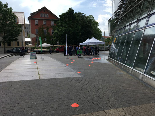 e-Bike Testen im Hof der FH Esslingen