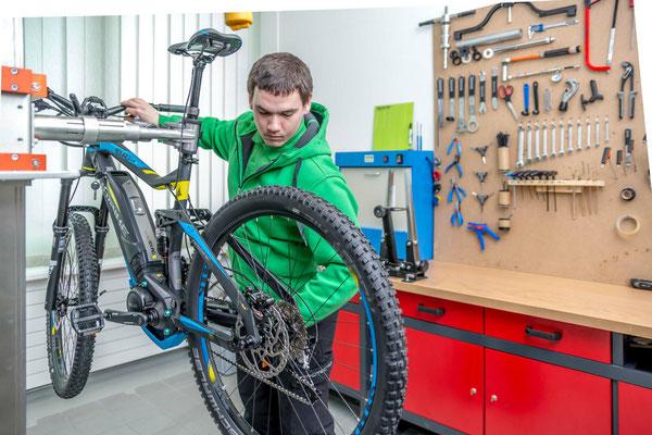 Service von unseren e-Bike Experten in der e-motion e-Bike Welt Olten in der Schweiz
