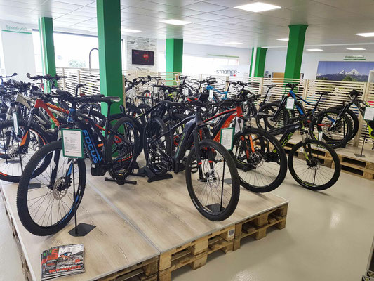 Große Markenvielfalt in der e-motion e-Bike Welt Aarau-Ost in der Schweiz