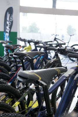Entdecken Sie die e-Bike Markenvielfalt in der e-motion e-Bike Welt Dietikon in der Schweiz