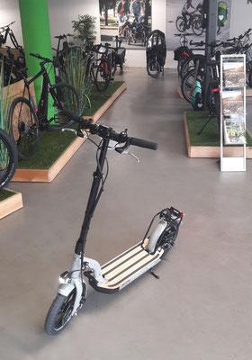 Electroscooter Moover von Metz probefahren und kaufen in Gießen