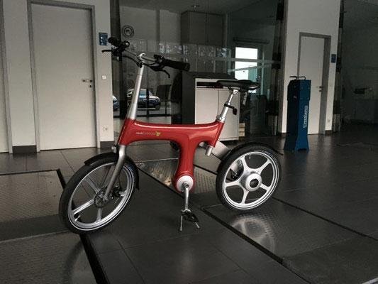 Mercedes Präsentation mit Mando Footloose e-Bikes von e-motion