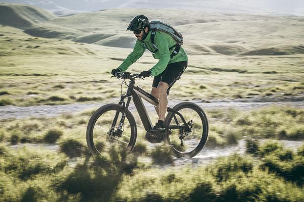Trekking e-Bikes mit Kettenschaltungen, Nabenschaltungen und elektronischen Schaltungen bei e-motion probefahren