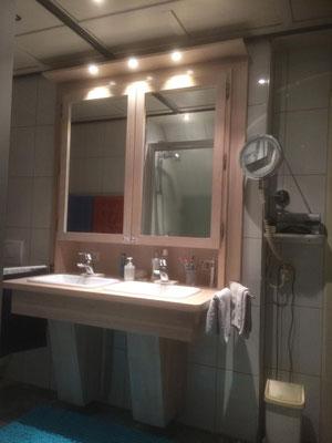 Badezimmer Einbauschrank aus eigener Fertigung