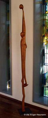 AGAPE IV, Kirsche, Beize, Wachs, Stahl, 205 x 9 x 14 cm