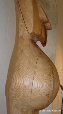 GRAVIDA (Detail), Argentinische Eiche, Stahl, 243 x 18 x 16 cm