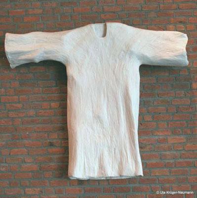 Weißes Kleid - Pergament, 234 cm x 203 cm x 21 cm