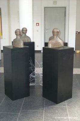O.T., Ton, Pigmente, Draht, Holz, Farbe, 150 x 150 x 137 cm