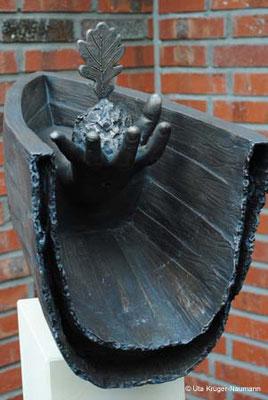 AKE (Anna Katharina Emmerick) II, Bronze, Sandstein, ca. 156 x 54 x 24 cm