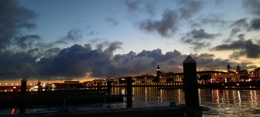 Endlich wieder Meer..Hafen Sao Miguel
