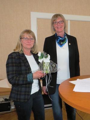 Abschied nehmen hieß es von Anne Ingwersen, die turnungsgemäß nach vier Jahren aus dem Kreisvorstand ausschied.