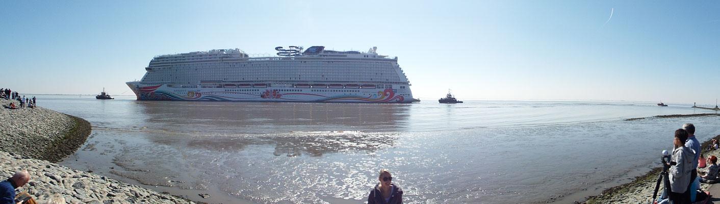 ...in die Nordsee überführt. Ein MEGA Spektakel, was einen in den Bann zieht...