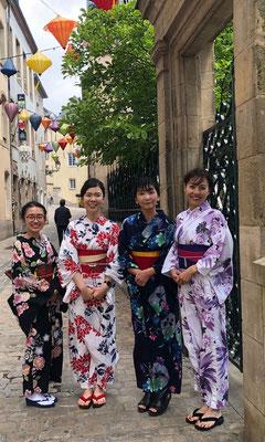 浴衣を着てルクセンブルク市内を散策した時の様子です。 This month, we are sharing yukata photos from Luxembourg city.