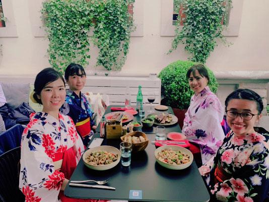 レストランも、浴衣姿で行くといつもとは違ったひと時を過ごせますね。 It is not so common to see yukata in Lux restaurants!