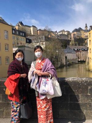 「ルクセンブルク市:その古い街並みと要塞群」という名前でユネスコ世界文化遺産に登録されています。 You will feel like living in history in Luxembourg city which has been awarded UNESCO world heritage site.