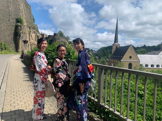 日本の夏と言えば、浴衣を思い浮かべる方も多いのではないでしょうか。 Yukata is a casual cotton kimono for summer and they are mainly worn during summer festivals.