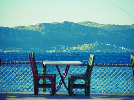 Vorne Türkei, hinten Griechenland (die Insel Kastelorizo/Meis)