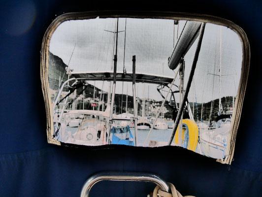 Blick durch die halb abgebaute Bimini