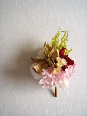 春色のコサージュ 参考価格:¥1,800-(税抜)