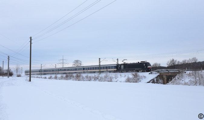 182 524 mit einem RE 3 nach Dresden bei Colmnitz