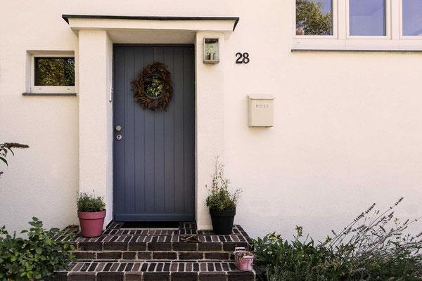 Schlichte und schöne Tür