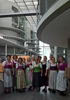 De boarischen Madel im Bundestag, Paul-Löbe-Haus