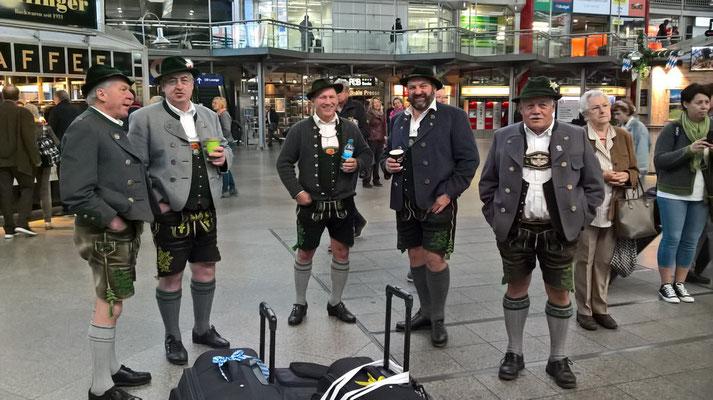 Am Münchner Hauptbahnhof - gleich gehts in den ICE
