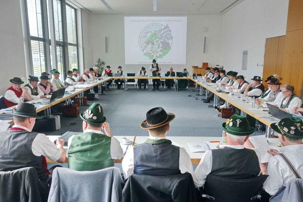 Blick in die Frühjahrstagung des Bayerischen Trachtenverbandes beim WWK-Forum in Obermühl-Raubling