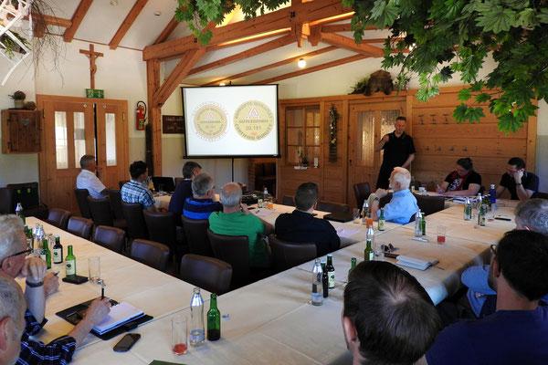 Für Kunden und Vertriebspartner bieten wir die Möglichkeit an in Vorträgen mehr über die KE-Technologie in Theorie und Praxis zu erfahren.