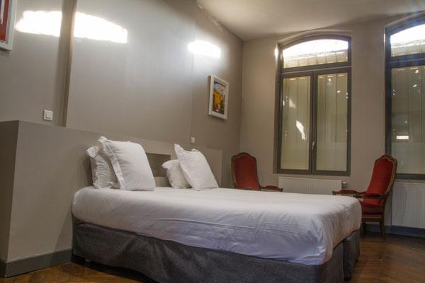 Appartement meublé avec armoire