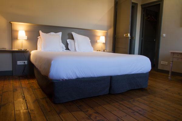 Trouvez le confort digne d'un hôtel, lit (180x200) ou lits jumeaux sur demande