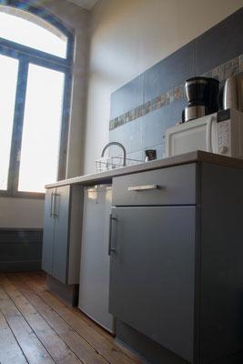 Serviced apartment : full fridge upon arrival